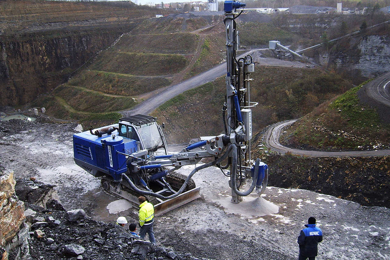 Drill Rig with MDS System in Germany