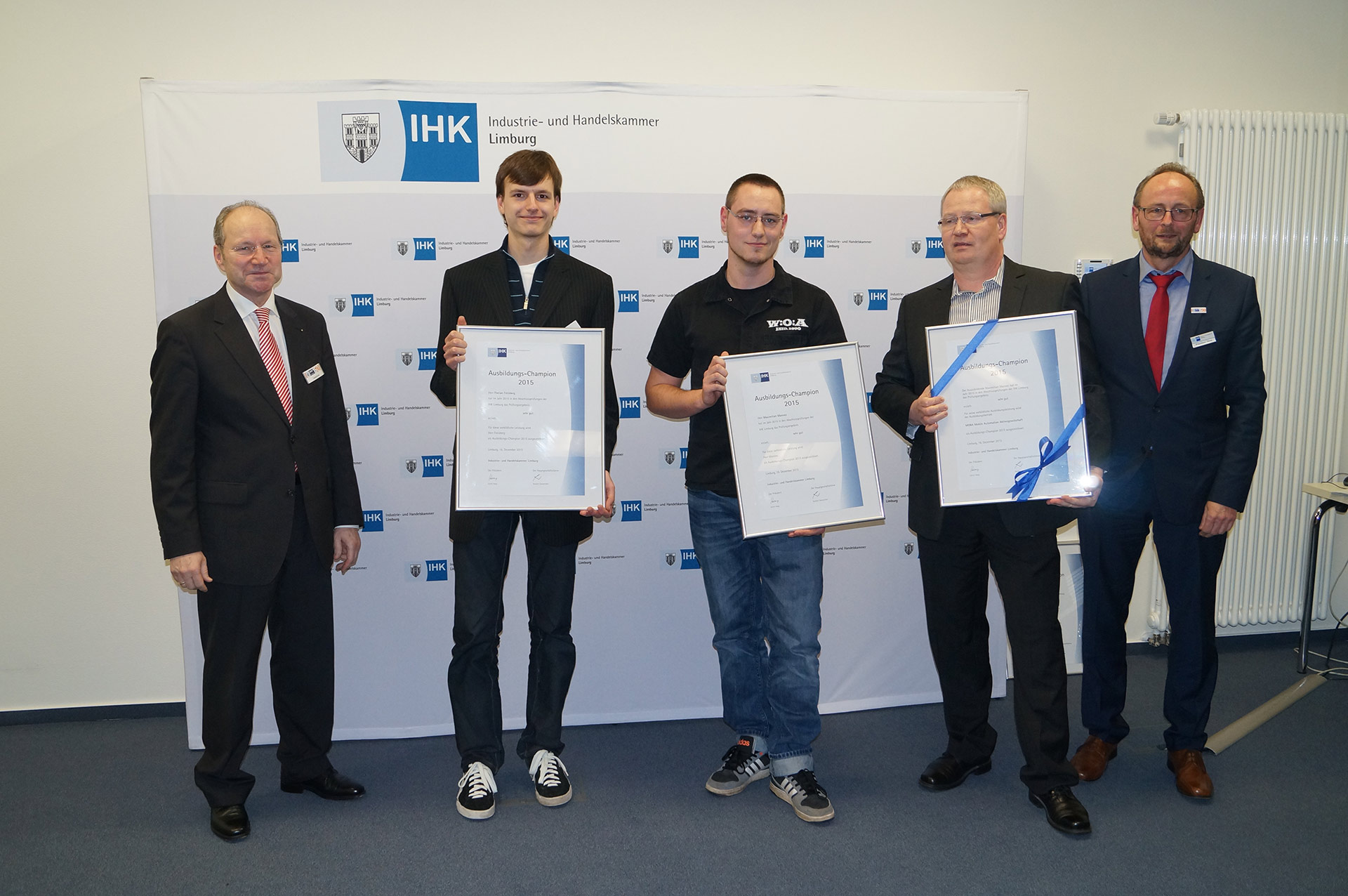 MOBA-GROUP'S APPRENTICESHIP CHAMPIONS